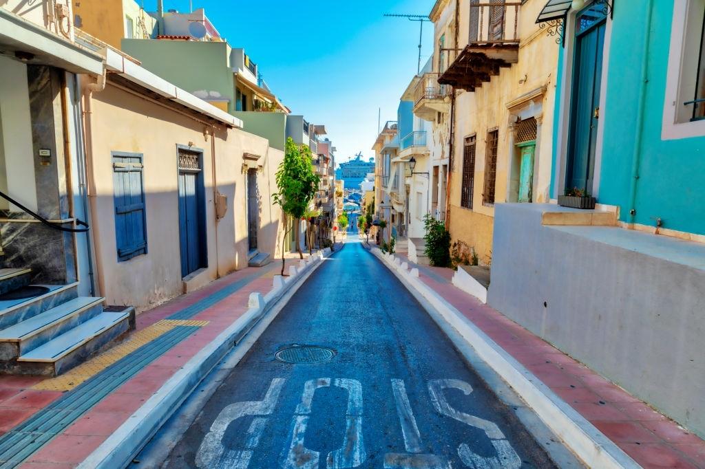 Agios Nikolaos street houses