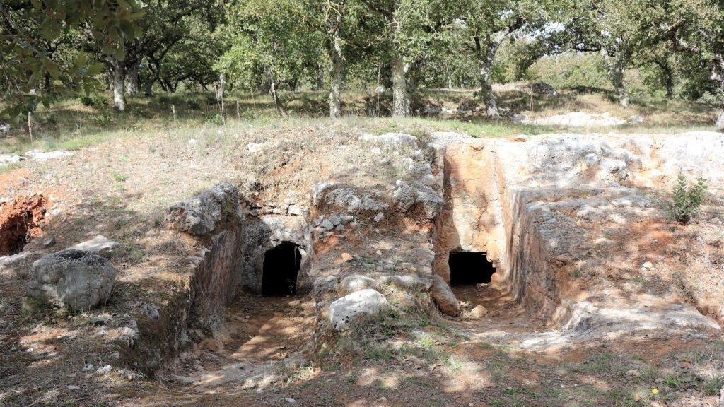 Minoan cemetery at Armeni
